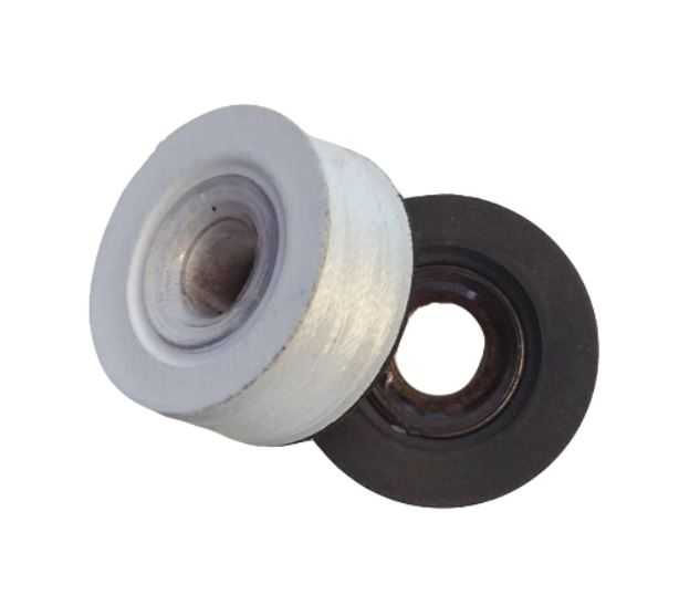 Under-Thread - Spools and magnetic sided bobbins available